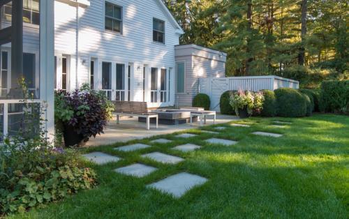 别墅草坪种什么草好北方 庭院 种什么草最好